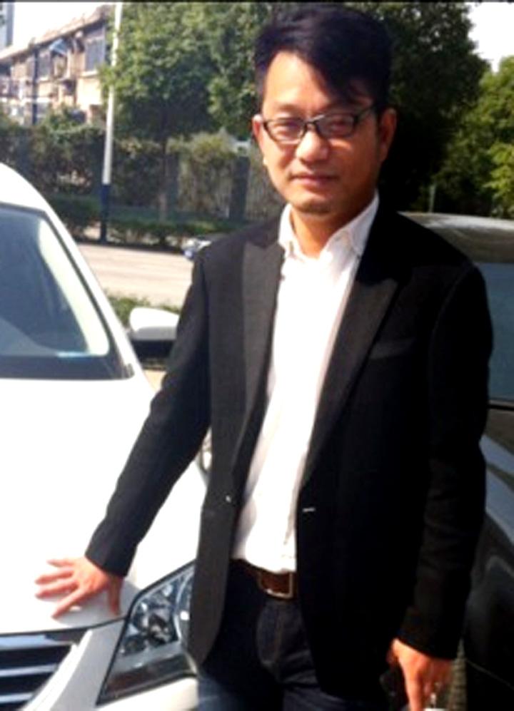 高端首席设计师李世友