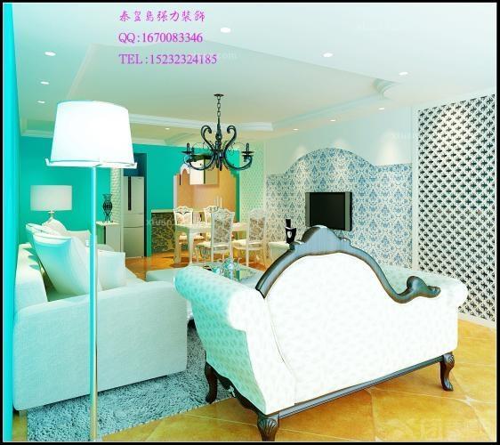 入户门采用雕花隔断做出玄关,客厅浅色的家具正好映衬了地中海的特点