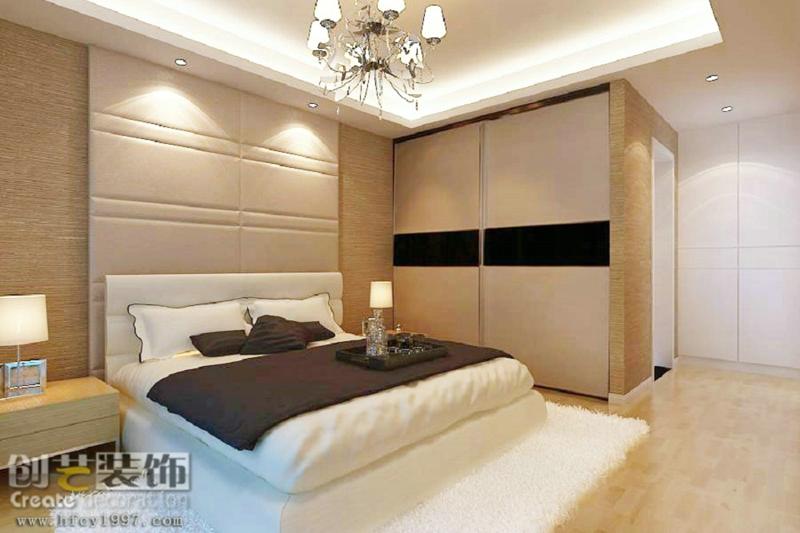 电视背景墙使用背景墙砖和艺术玻璃框边; 沙发背景墙没有做过多处理
