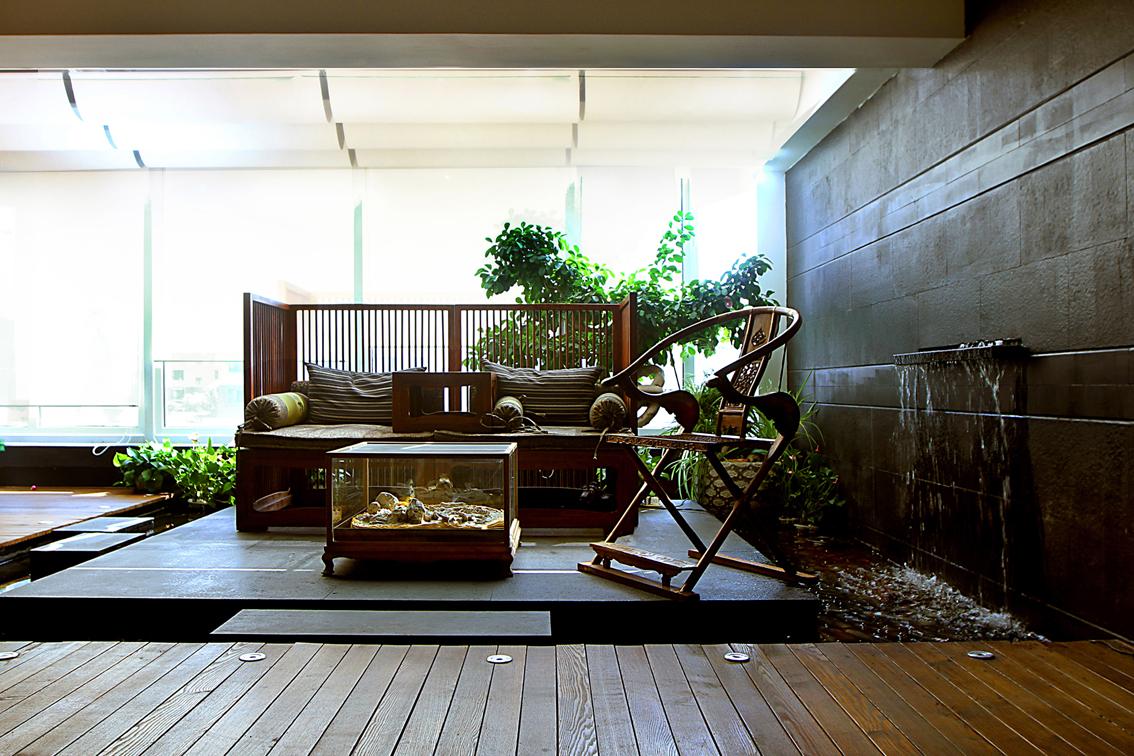 標簽:別墅中式風格 設計理念:把傳統東方的東西掰碎,在37度的溫房