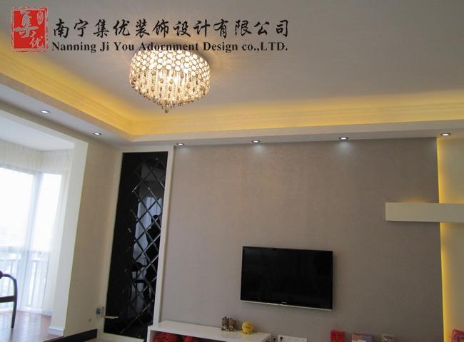復式樓現代簡約客廳電視背景墻_鳳嶺春天裝修效果圖-x