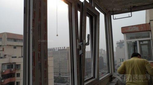 为70系列窗户,进口德国丝吉利娅奥彼平开上悬五金件,三层中空玻璃