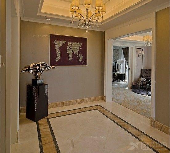 老人房的设计主要是比较欧式点,色调上用了红木线条和米色的墙纸软包图片