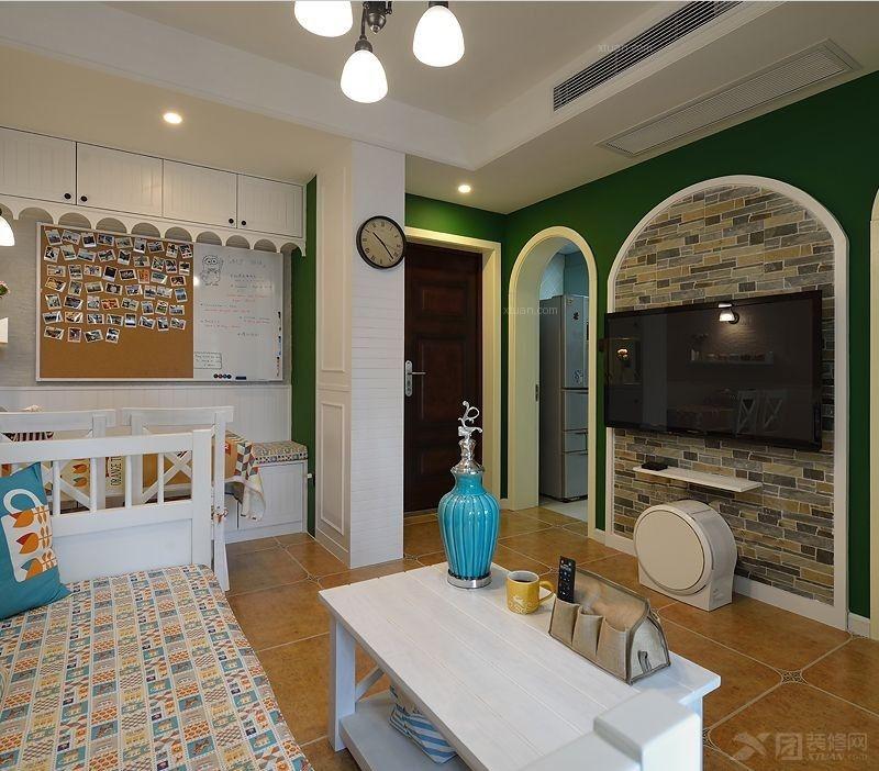 小户型地中海风格客厅电视背景墙_54平方精致小公寓,活色生香的地中海
