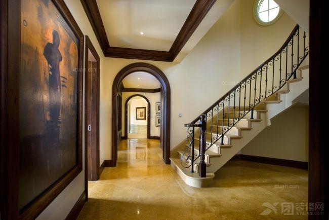 别墅欧式风格阁楼客厅隔断
