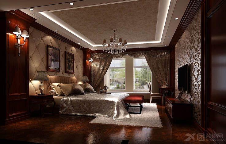主卧也采用深色护墙板和欧式壁纸,使之与整体风格一致,床头使用软包图片