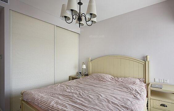 实木衣柜实木床装修效果图  户型:两居室 房间:卧室 风格:简欧风格 装