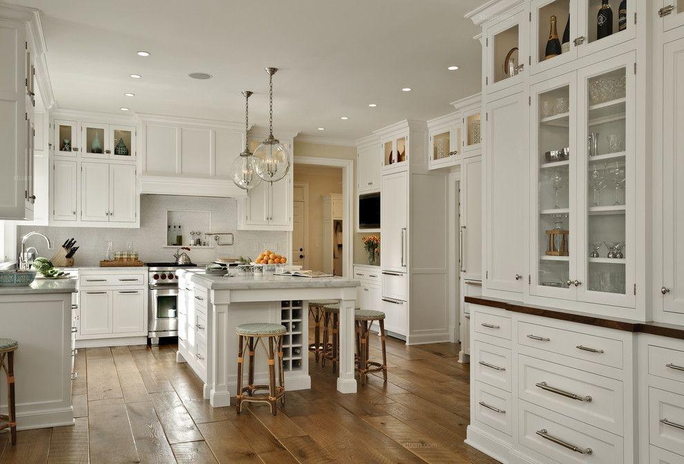 讲究的别墅厨房