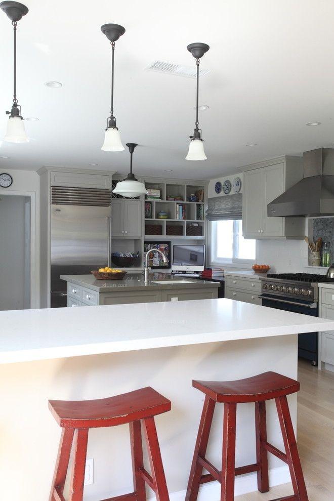 三口之家的厨房