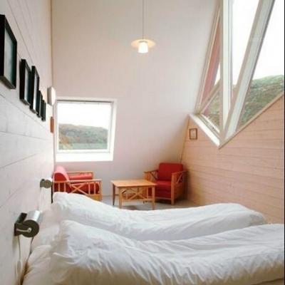 阳台还能摆张床!从此客人再不用睡宾馆了