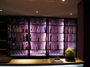 紫色回忆酒吧