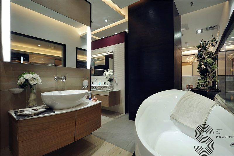 德国唯宝卫浴(Villeroy&Boch)一直是创新卫浴技术的先驱,为协助唯宝顺利地融入中国市场,我们受邀与德国总部设计师一起,对其零售终端店面的整体形象进行了基于商业策略上的优化2013年,SXDesign私享设计工社的品牌总监Elle有幸采访到唯宝My Nature和Architectura系列产品的德国设计师Oliver Conrad,不妨在这里跟大家分享一下唯宝品牌的特质和设计理念!