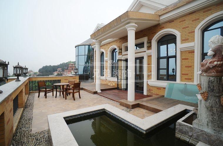 别墅法式风格阳台花园地台图片
