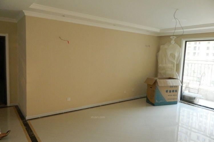 客厅压石膏线效果图