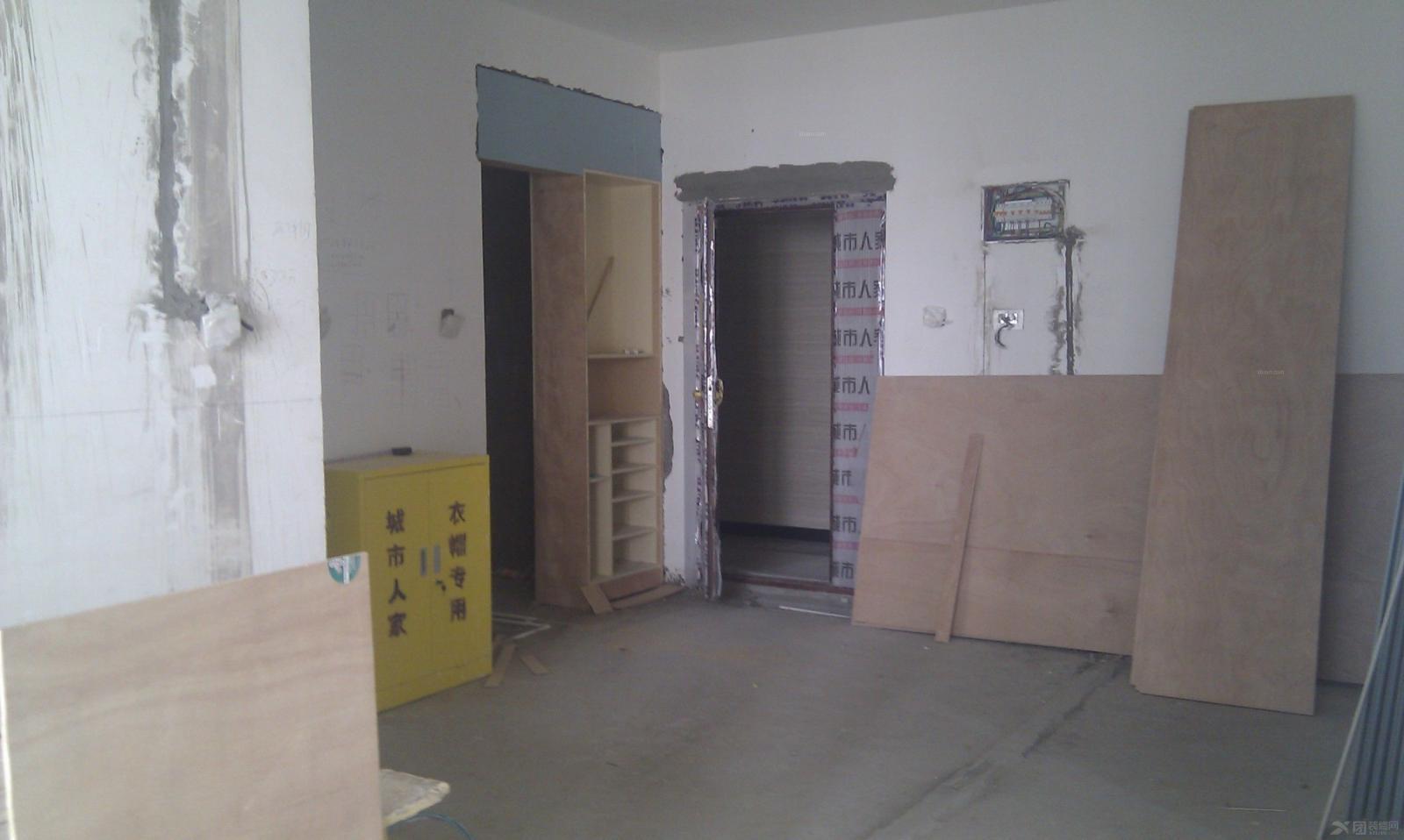 中式别墅客厅装修效果图  房间:客厅 风格:现代简约 装修方式:半包