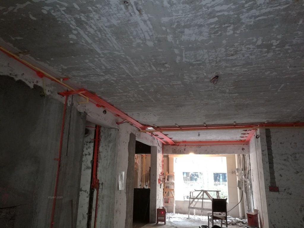 渝派精工2015龍湖源著底躍裝修工地,設計面積260,基裝造價18萬,水、電已完工,目前業主主材配套空調正在施工,可預約參觀!(拍攝日期:2015.12.22)龍湖源著南北區我們均有全套設計方案, 同時有不同階段在施工地可參觀, 來電預約獲取專屬您自己的設計方案。