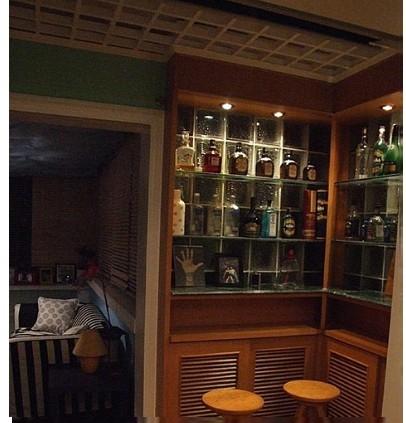 中式风格酒柜家庭室内装修效果图