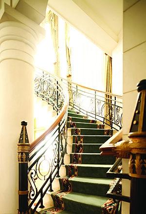 混搭家庭室内楼梯装修效果图