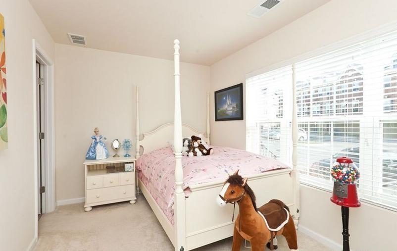 90平可爱儿童房 儿童床设计