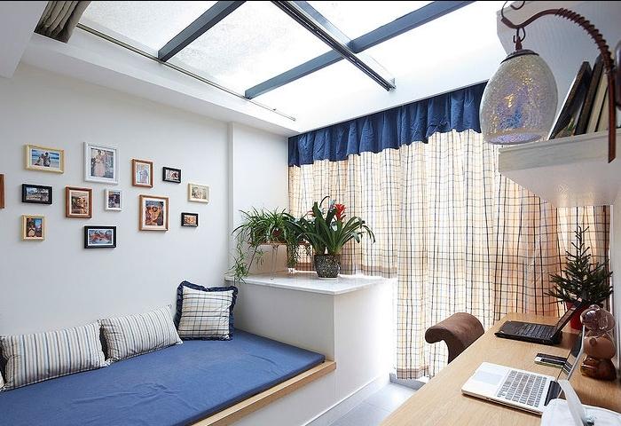 把次卧改成客厅,和餐厅连一起,北边阳台设计成阳光书房,和客厅半隔断