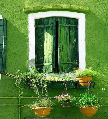 标签:海景别墅乡村风格 设计理念:绿色是环保的色彩,把亮丽的绿色用