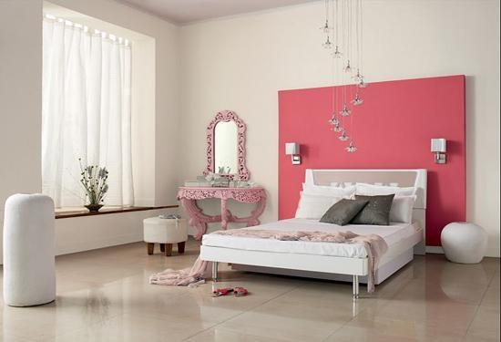 甜美的桃红色梳妆台