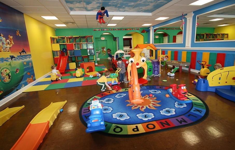 绮丽的幼儿园教室布置图片