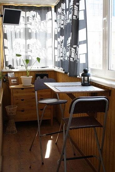 木质格调小阳台效果图