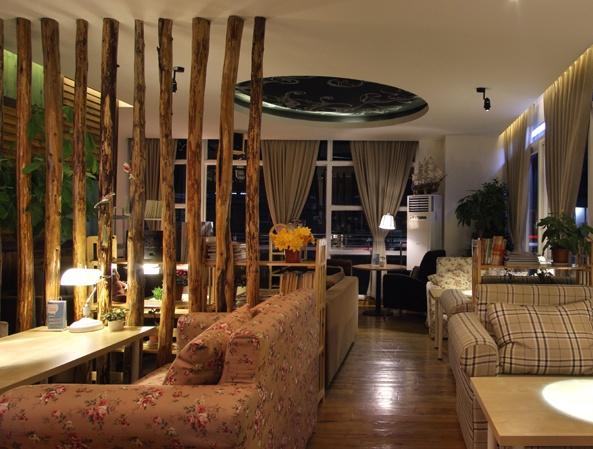 设计理念咖啡厅的餐具:咖啡厅的房间风格作品决定的,所以在装修风格戴帆前期女孩室内设计是由图片