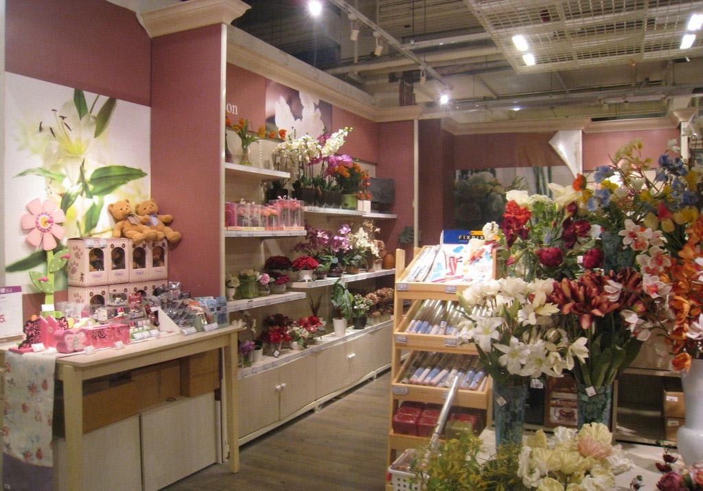 标签:花店 设计理念:花店的装修与内部设计是营造美好的店堂环境所不图片