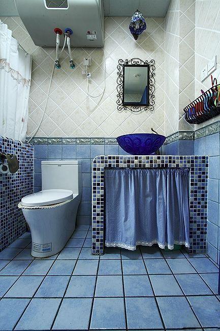 蓝色系马赛克卫生间