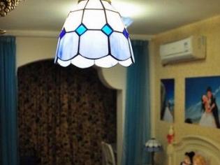 卧室的复古吊灯
