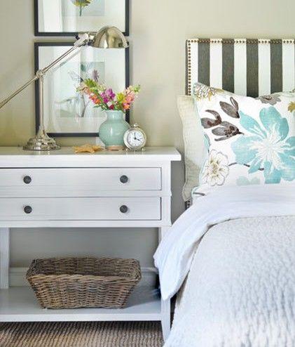 精美的卧室床头柜