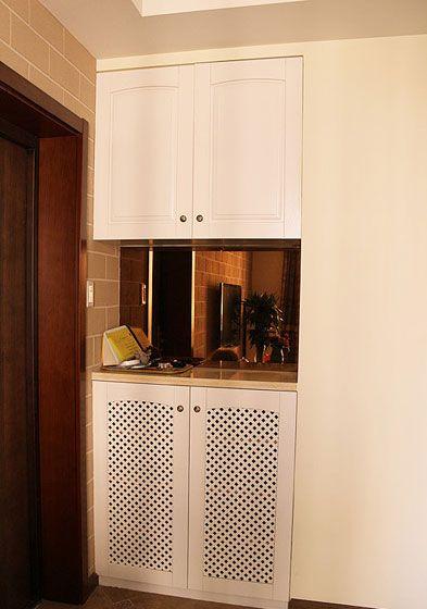 设计理念:入户玄关,进门左侧是鞋柜。镂空花纹的柜门是不是另有一番分味? 显示更多
